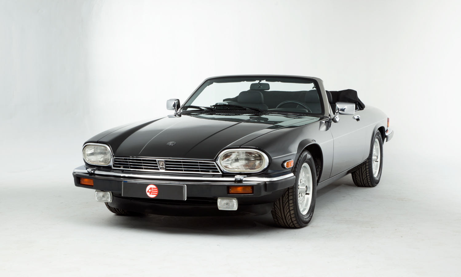 jaguar xjs v12 convertible lhd. Black Bedroom Furniture Sets. Home Design Ideas